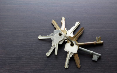 Keys Management: Comparing Key Tagging and Tracking Services